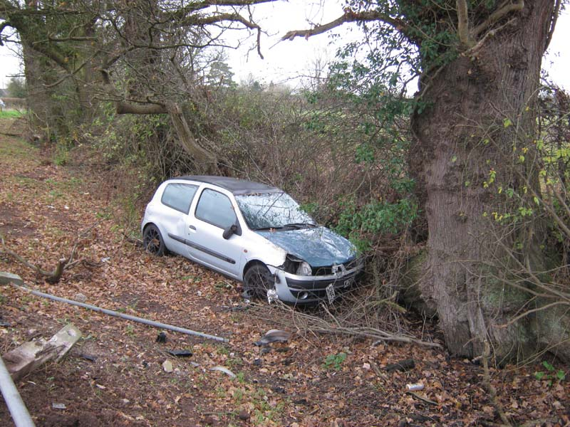 Car in ditch 9th Dec 2014